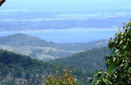 Lake Wivenhoe seen from Brisbane Forest (near Mount Glorious)