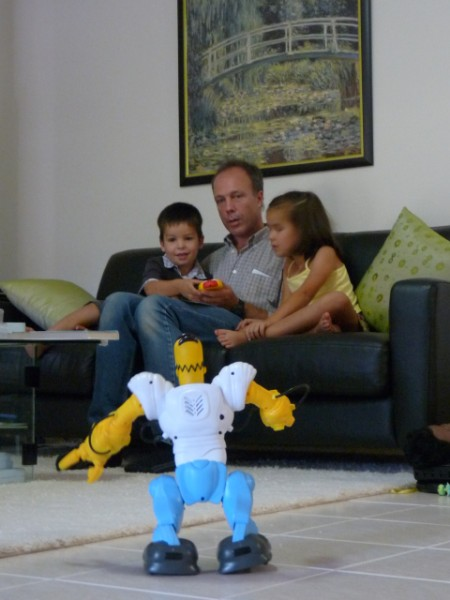 A robot with remote control. How does it work?