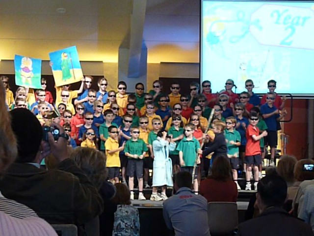 Performance on Grandparents Day by Grade 2 (incl. Nicole).